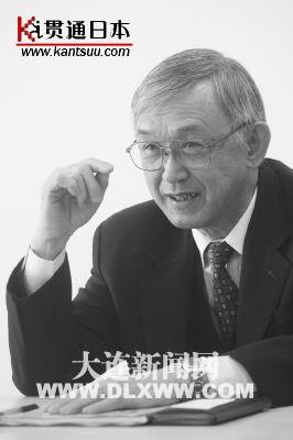 日本青木先生的目标是在大连工作到八十岁